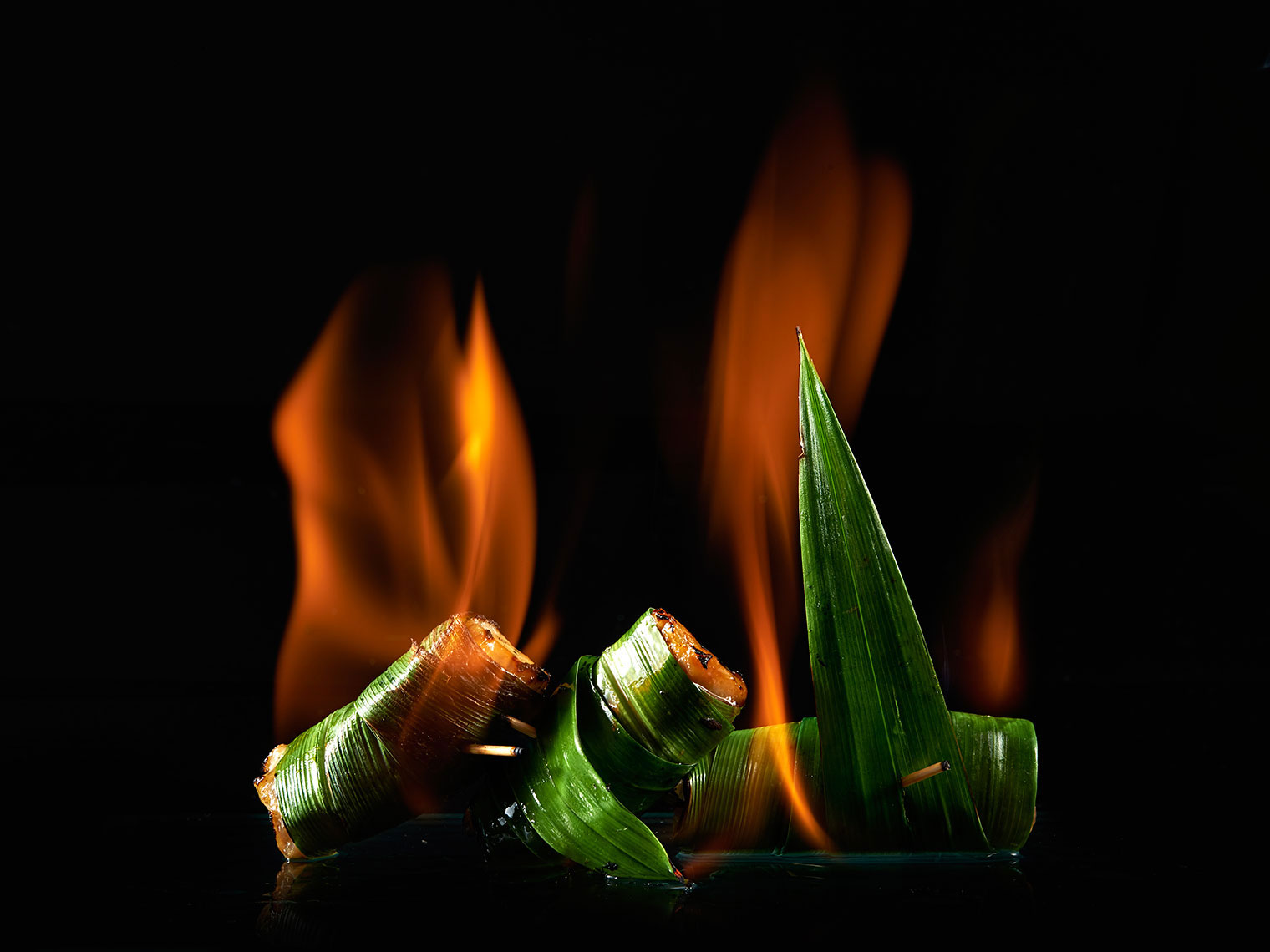 010_F105_food_shot_bananaleaf_chicken_onfire_BITE_Studio_Wing_Chan